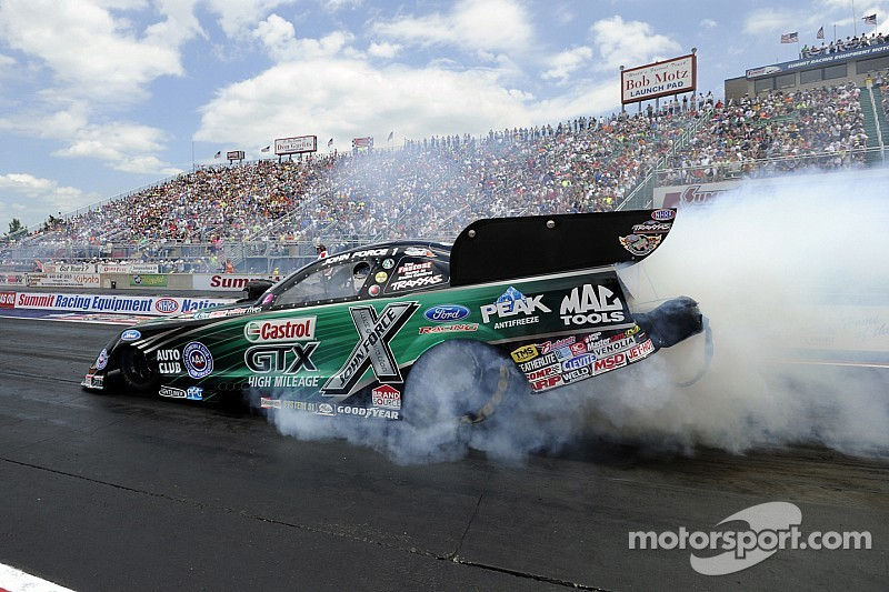 John Force drops rain-delayed final at Indy