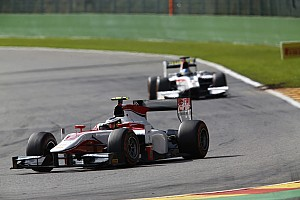 Vandoorne storms to second pole