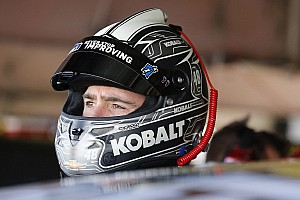 Johnson's championship hopes take hit in Kansas