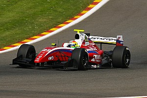 Will Stevens winner, Carlos Sainz champion