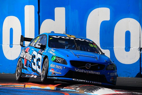McLaughlin out-guns Whincup and Lowndes for Gold Coast 600 Race 2 pole