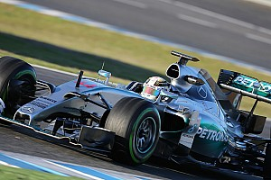 Hamilton applauds Mercedes' record-setting mileage