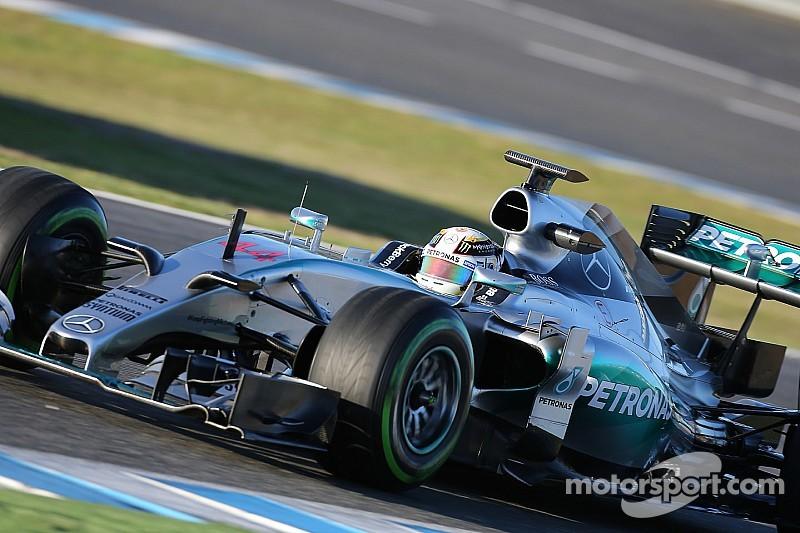 Hamilton applauds Mercedes' record-setting mileage
