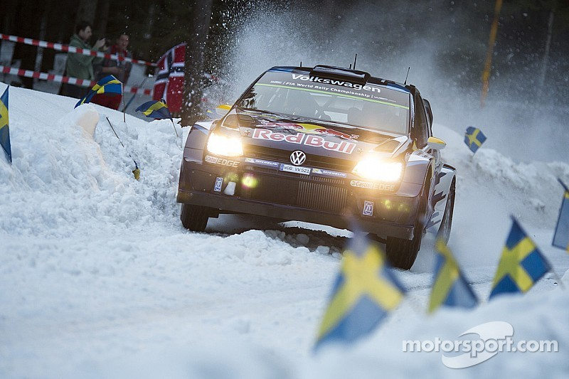 Mikkelsen clings to lead by 1.7s as Ogier charges