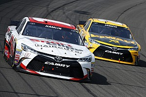 Kenseth, Hamlin show speed but fizzle in Fontana