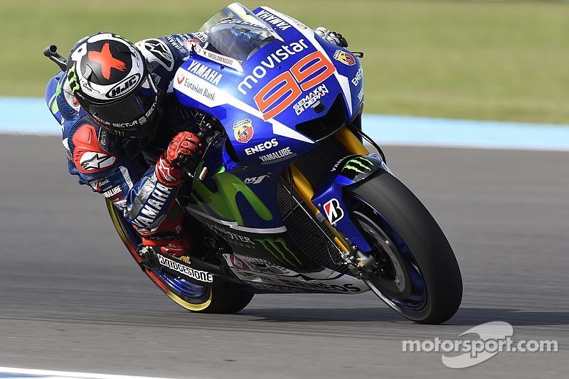 Lorenzo mantiene su ventaja en Jerez