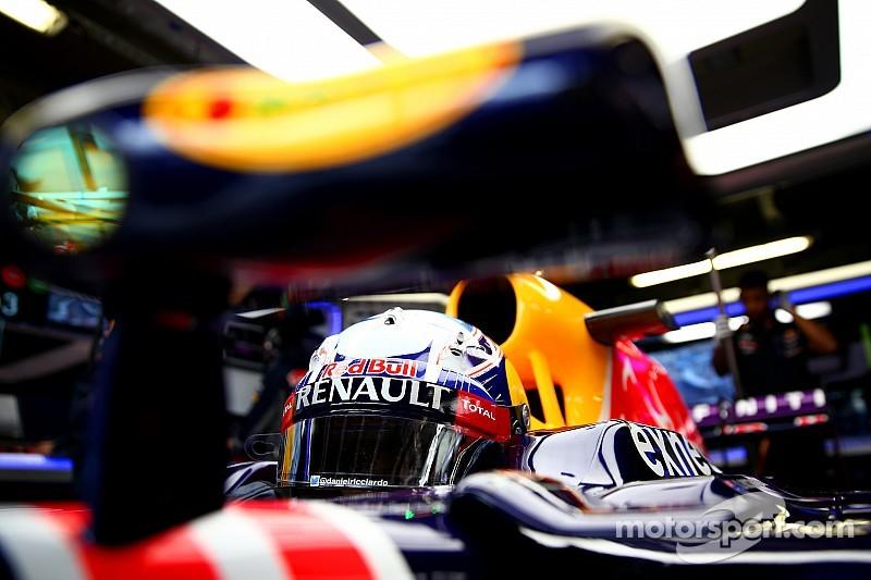 Red Bull e Toro Rosso vão bem, mas Sainz e punido e larga dos boxes