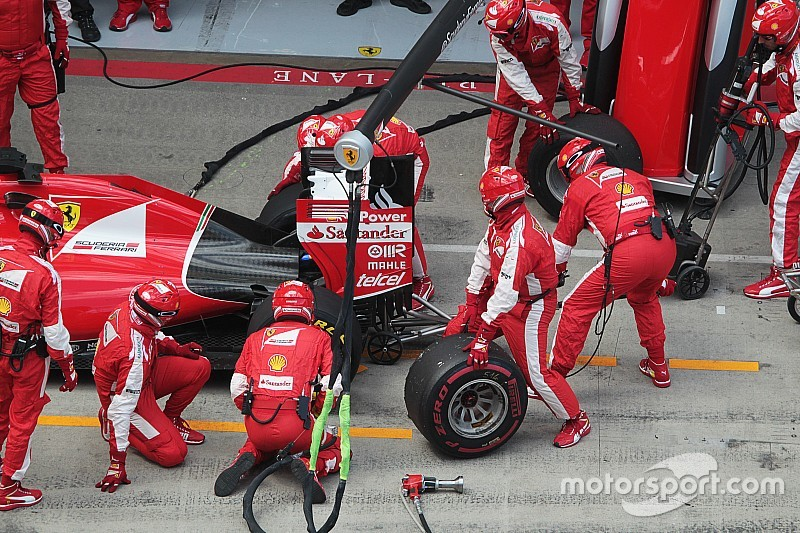 Una pieza estúpida arruinó a  Ferrari, según Arrivabene
