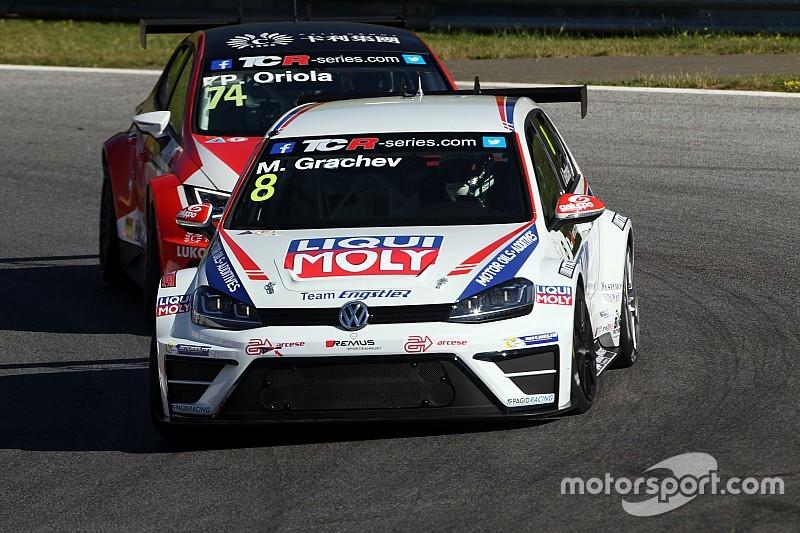 Volkswagen está satisfecho con su debut en el TCR