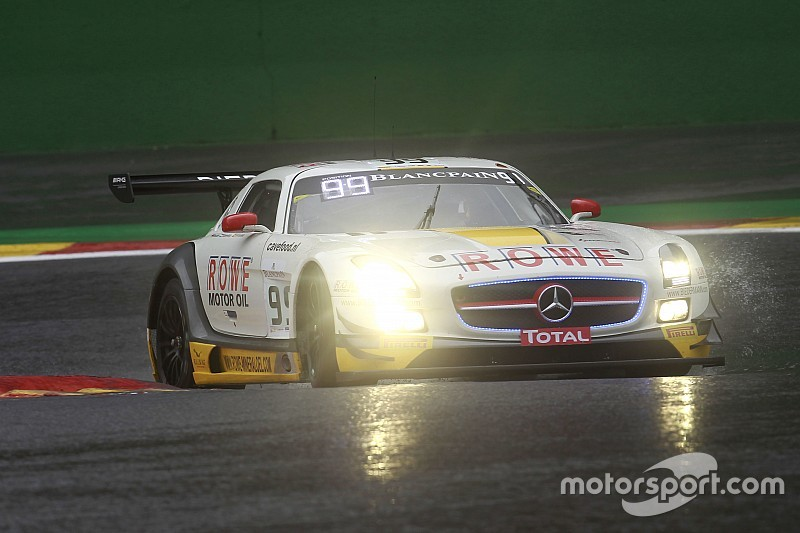 Spa 24: Mercedes, Audi and BMW fight it out as dawn breaks