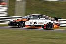 Turkington domina la primera carrera en Snetterton