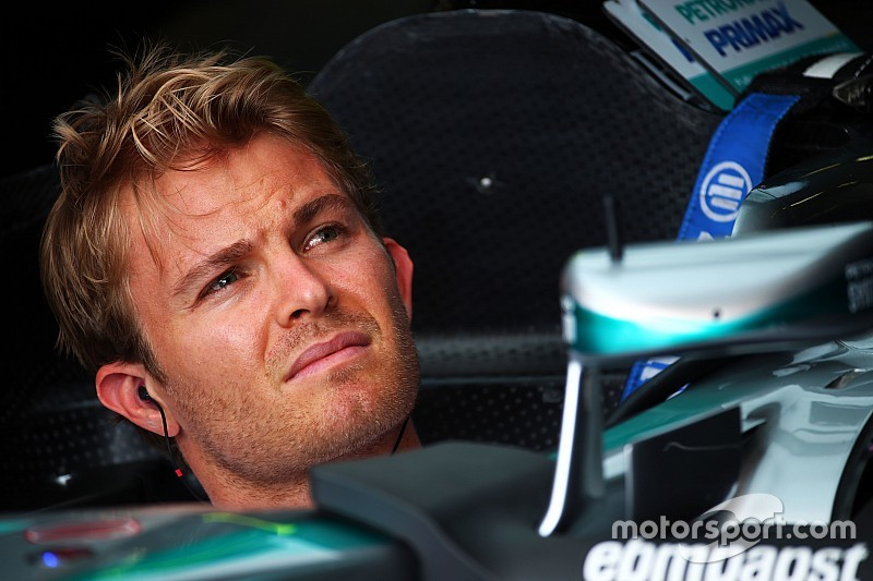 Rosberg relaxed as wife prepares to give birth