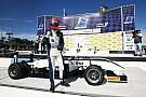 Piquet vence sétima seguida após corrida cheia de acidentes