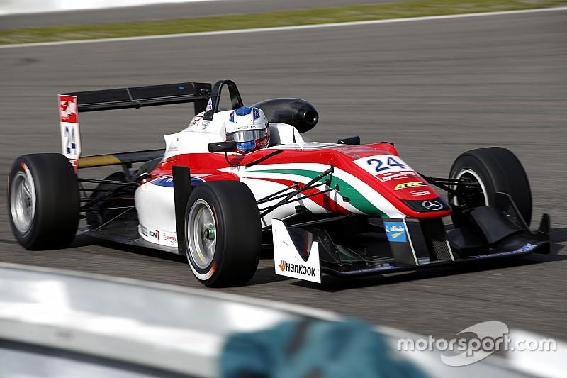 Felix Rosenqvist se impone en la Carrera 1 en Nurburgring