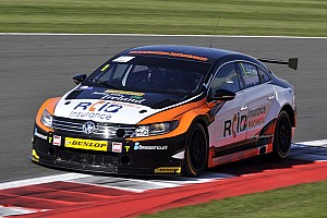 BTCC Race report Silverstone BTCC: Turkington win keeps title hopes alive
