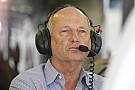 Ecclestone dice que Dennis impide que Honda provea a Red Bull