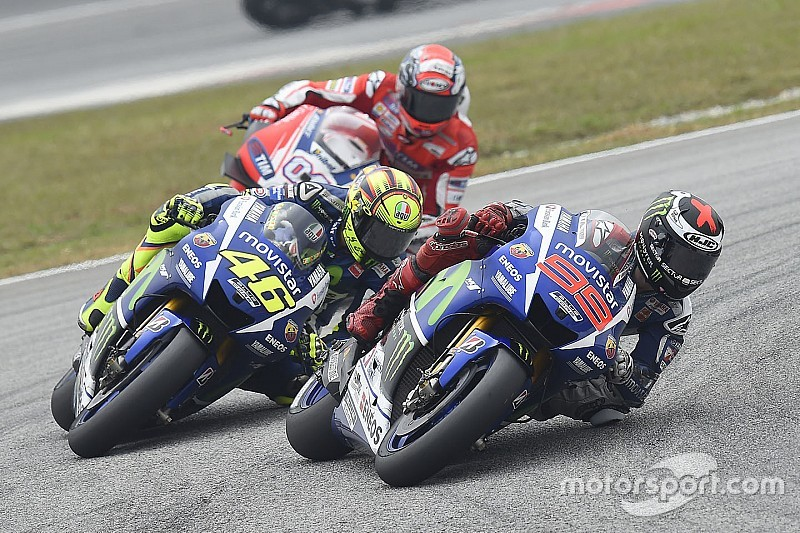 Lorenzo asegura que la sanción a Rossi fue leve para mantener vivo el campeonato