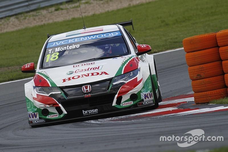 Monteiro wint WTCC race 2 Buriram, Nederlanders niet gestart