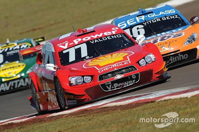 Brazilian V8 Stock Cars:  Valdeno Brito on pole at Interlagos