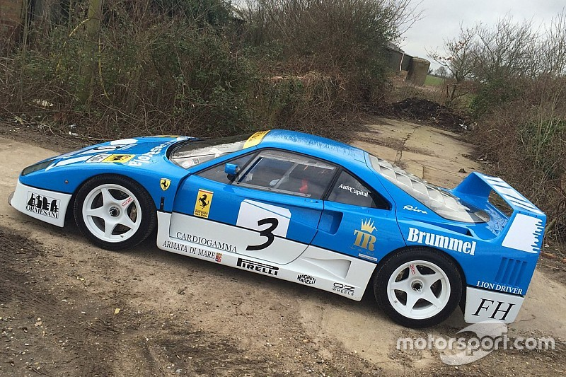 Video: Ferrari F40 GT krijgt er hard van langs in 'Farmkhana'