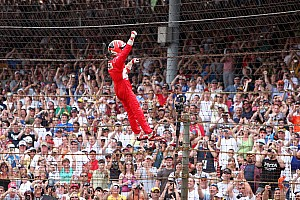 IndyCar Breaking news Castroneves is fenced in