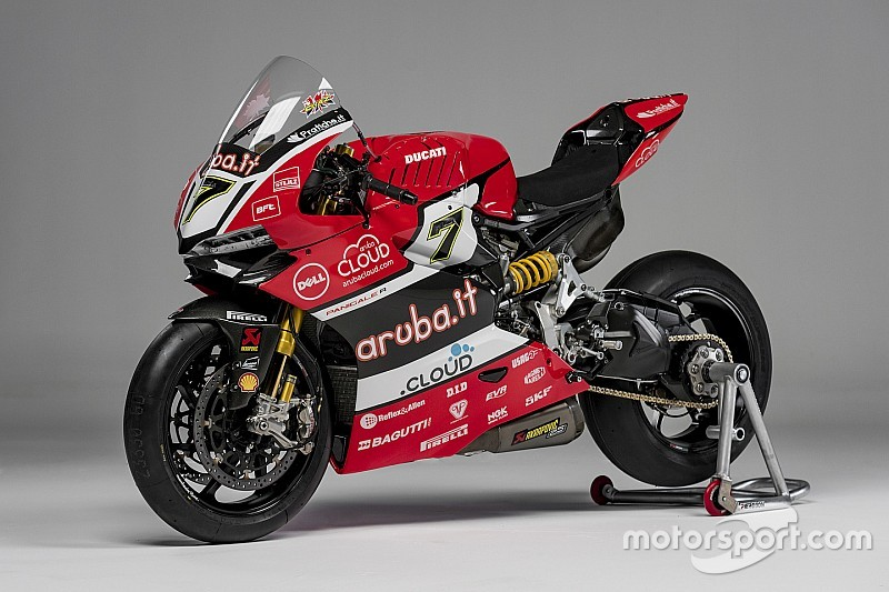 Ducati unveils bike for 2016 WSBK title assault