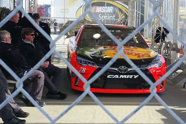 NASCAR Sprint Cup Breaking news NASCAR penalizes Truex, Harvick and Vickers after qualifying