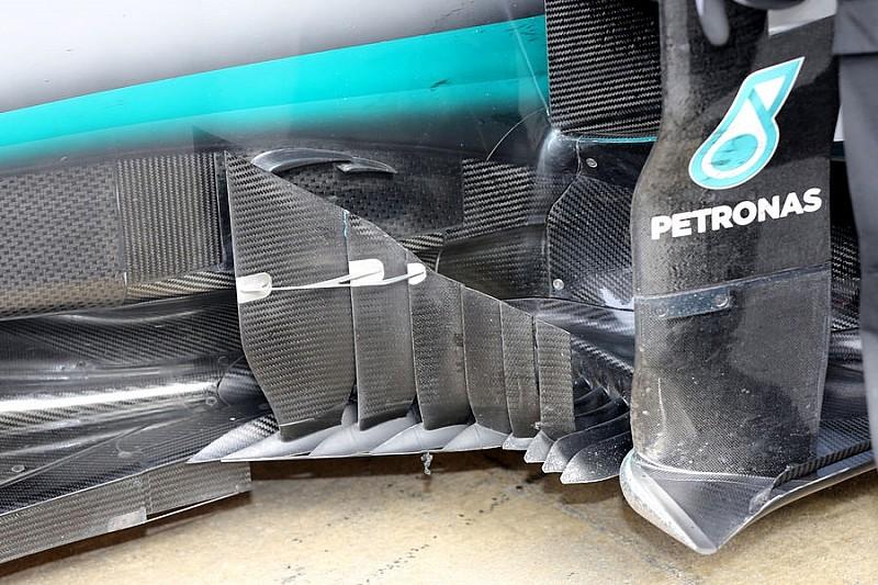 Mercedes тестує дефлектори незвичайної конструкції