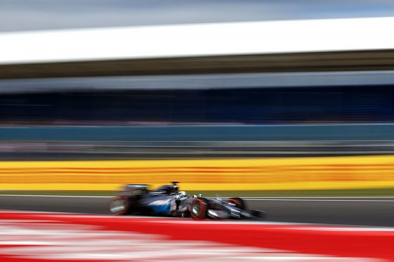 Прогноз Pirelli на гонку в Сильверстоуне