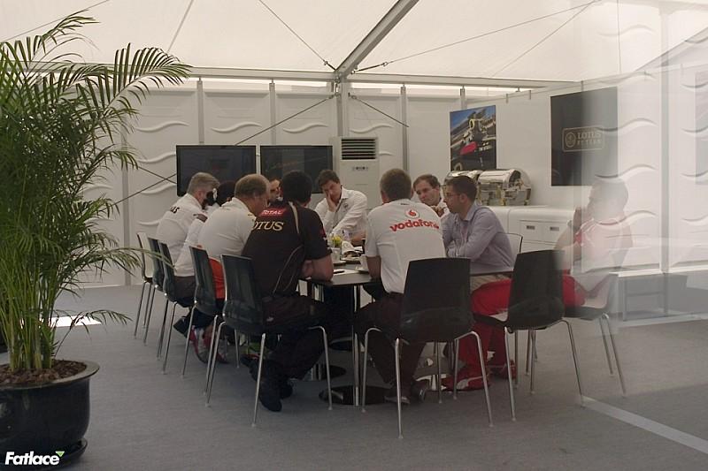 Стратегическая группа заседает в Париже