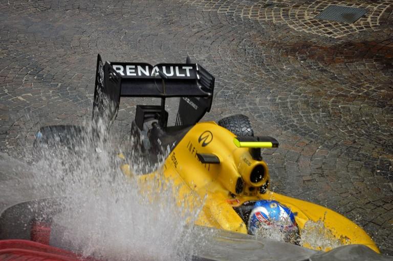 A Renault megtette az első lépést a Mercedes által alkalmazott technika irányába