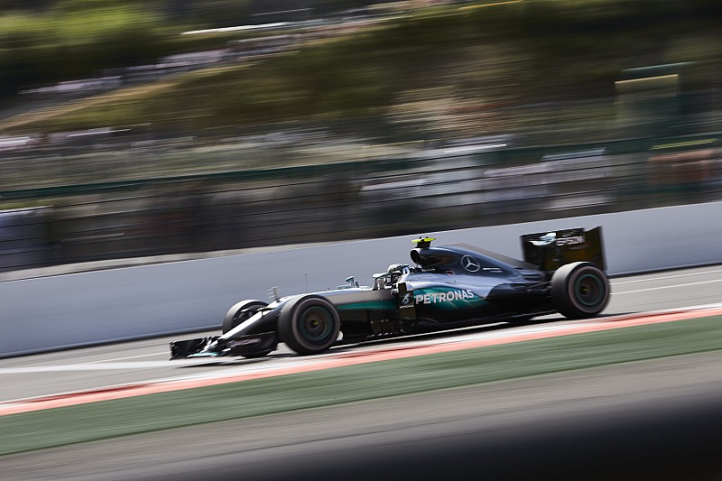 意大利大奖赛FP1:梅赛德斯强势领跑,法拉利落后1秒之多