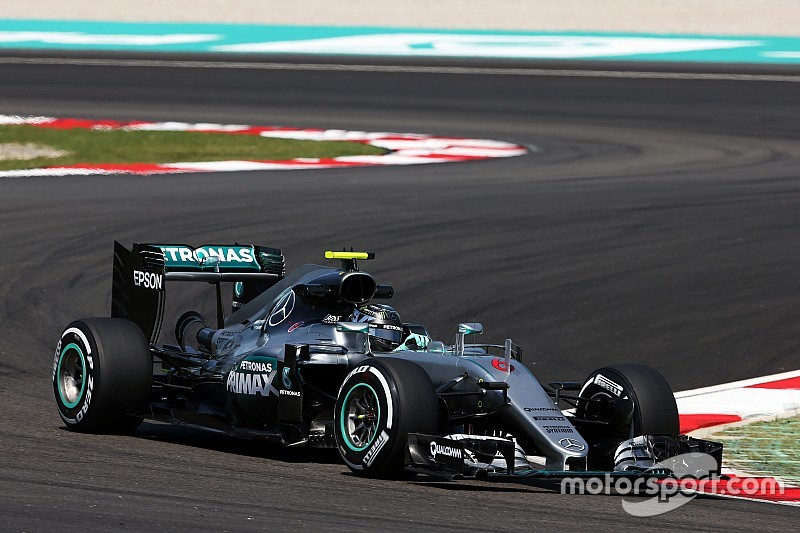 F1マレーシアGPFP1:トップはロズベルグ。マグヌッセンはマシン炎上