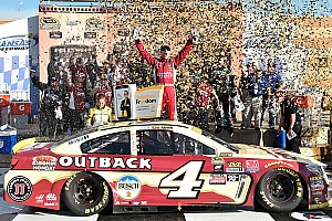 Monster Energy NASCAR Cup Gara Kevin Harvick vince in Kansas e si qualifica per il turno successivo