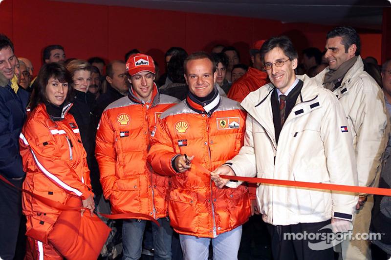 Rubens Barrichello opens the photo exibition