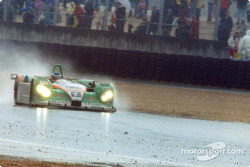 A Courage C60-Peugeot in the rain