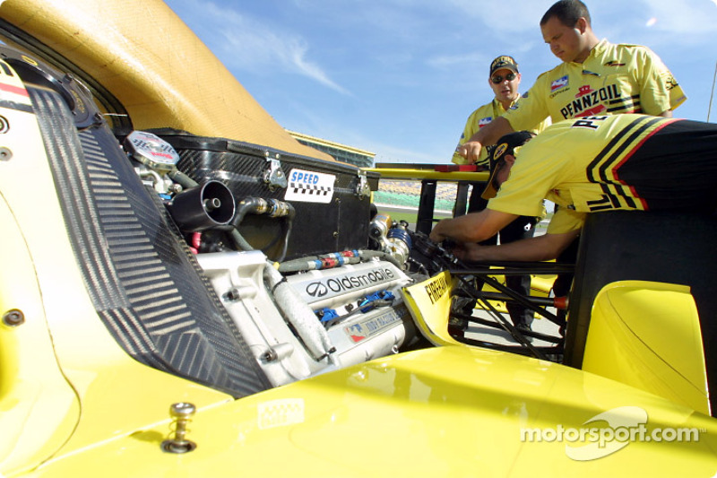 Panther Racing: Oldsmobile engine