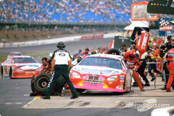 Pit action: Greg Biffle