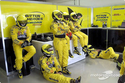 Team Jordan between pitstops