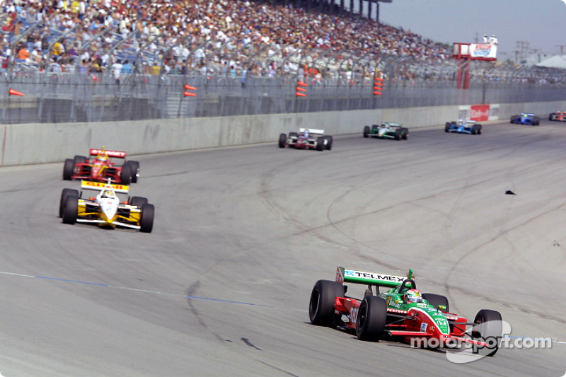 Race action: Adrian Fernandez in front of Kenny Brack