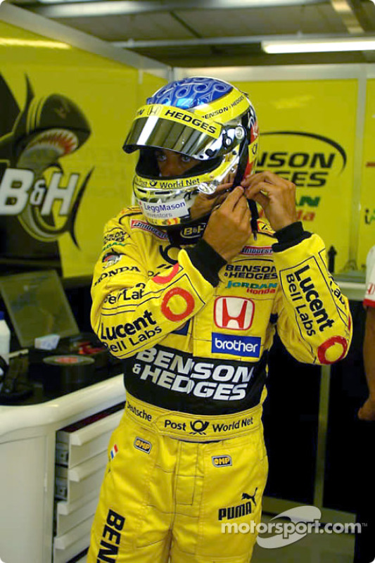Jean Alesi getting ready