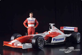 Allan McNish and the 2001 Toyota Formula 1 TF102