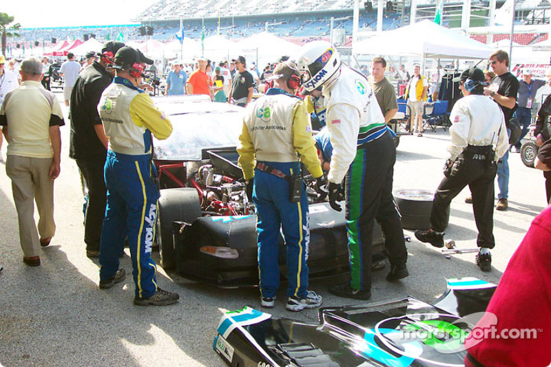 Early behind pit lane service