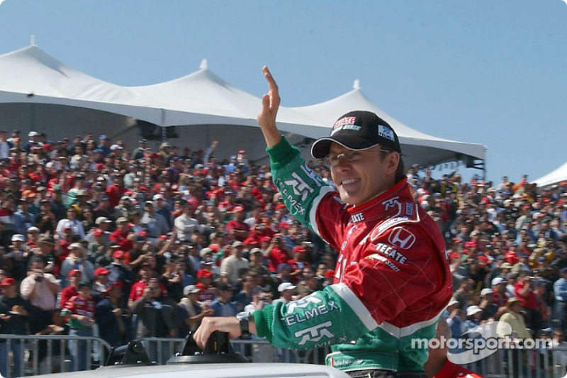 Adrian Fernandez during the drivers parade