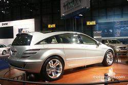 Mercedes Benz GST