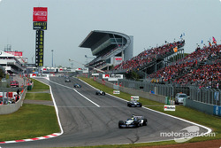 Third lap: Ralf Schumacher and Juan Pablo Montoya