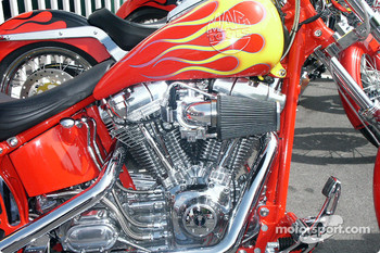 Mac Tools Custom Bike