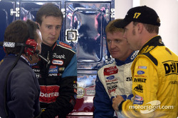 Frankie Stoddard chats to Roush Racing drivers Kurt Busch, Jeff Burton and Matt Kenseth