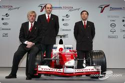 Chief engineer Gustav Brunner, project leader Formula 1 engine Luca Marmorini and technical coordinator Keizo Takahashi