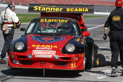 #51 Proton Competition Porsche GT2: Mauro Casadei, Christian Ried, Manfred Juraz, Gerold Ried, already in trouble